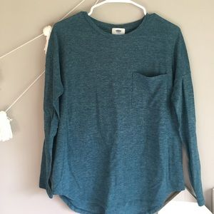 Adorable green long sleeve! Perfect for Fall!